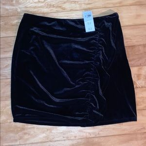 NWT velour rouched Abercrombie skirt